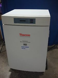 Thermo Forma 3120 Series Ii Co2 Water Jacketed Incubator Oven W Hepa Filter 992