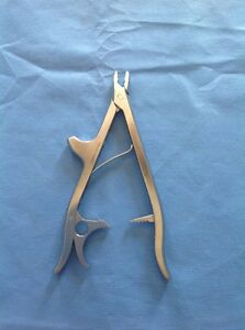 Synthes 359 204 Locking Pliers W Horn From Titanium Elastic Nail Set