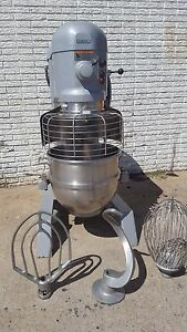Hobart H600t 60 Quart Mixer With Bowl Guard 3 Attachments