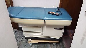 Midmark 405 Power Exam Table W hand Control Free Shipping To Chicagoland
