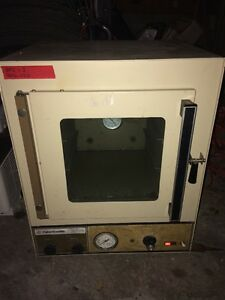 Fisher Scientific Isotemp Vacuum Oven Model 281a