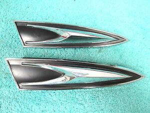 1960 Plymouth Belvedere Rh Quarter Ornaments 2 Nice 117