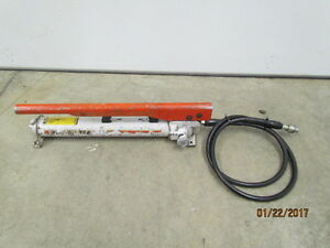 Power Team Hydraulic Hand Pump With Hose And Coupler P 55