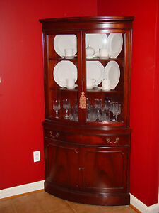 Antique 1930 S Broyhill Mahogany Bow Front Corner Cabinet Qty 2