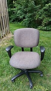 Haworth Improv H e Chairs M231 1741