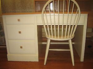 Ethan Allen French Country Desk With Matching Chair
