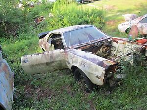68 69 Javelin Amx Right Passenger Spindle Knuckle Bare 1968 1969