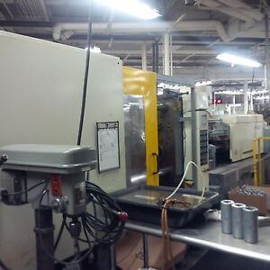 2001 Welltec 385 ton Plastic Injection Molding Machine