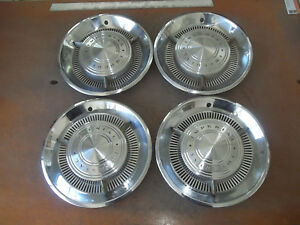 1960 60 Chrysler Imperial Hubcap Rim Wheel Cover Hub Cap 15 Oem Used P5 Set