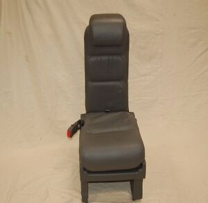05 07 Honda Odyssey Rear 2nd Row Middle Center Jump Seat Leather Plus One F512