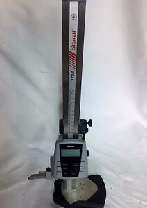 3752 12 300 Starrett Electronic Height Gage