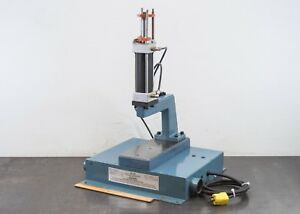 Janesville A 1019 Pneumatic Air Press 2 5 Stroke Two Hand Anti tie Down Control