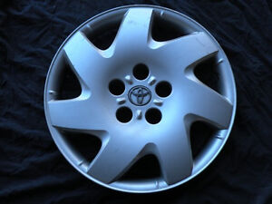 Hubcap Wheelcover Camry 16 2002 2004 2005 2006 Priority Mail 42621aa100 725