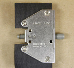 Micro Switch 24ac2 Door Switch W tapped Hole In End Thermoplastic Rod Actuator
