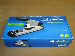 Swingline Deluxe Heavy Duty Stapler 39005 Staples Bundle