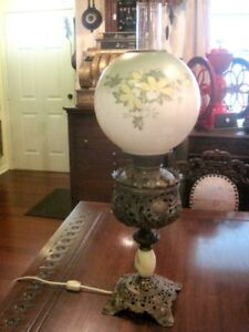 Antique Bradley Hubbard Banquet Oil Lamp Converted To Electric