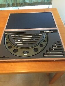 Mitutoyo Micrometer 104 138 6 12 Inch 001 Set W Box Excellent Condition