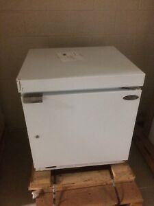 Norlake Under Counter Lab Freezer 5cu Ft 30 C Nsxf051wmw 0 new Other