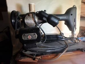 Vintage Singer Model Bz 6 8 Sewing Machine With Wood Base And Foot Pedal