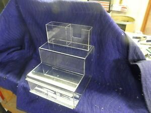 Novus Counter Acrylic Display Case
