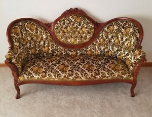 Antique Victorian Sofa Great Condition