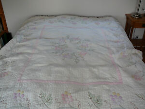 1939 Quilt Handed Quilted And Hand Appliqued Appraised For 250