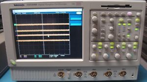 Tektronix Tds5104b 1 Ghz 4 Channels Digital Phosphor Oscilloscope Calibrated