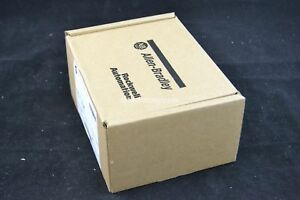 New Surplus Sealed Allen Bradley Panelview C300 2711c t3m Ser B 2016