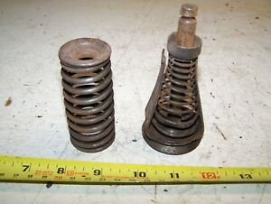Old Fairbanks Morse 3hp Valve Spring Guide Exhaust Magneto Ignitor Oiler Nice