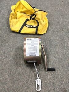 Miller Self retracting Lifeline Emergency Rescue 8442 65 With Bag free Shipping