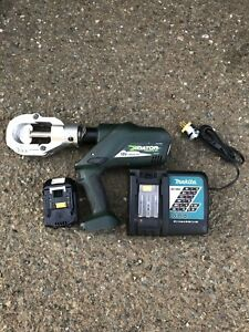 Greenlee Gator Esg50l Cable Cutter With 1 Battery And Charger