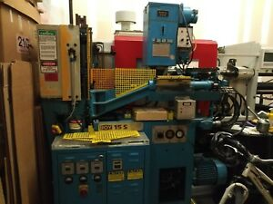 1983 Boy 15 ton Vertical Vertical Plastic Injection Molding Machine