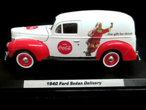 Coca-Cola 1940 Ford Delivery Sedan Santa 1:24 Scale Red and White 2013 BRAND NEW