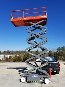 Scissor Lift 32 Feet High 46 Inches Wide 2018 Skyjack 4632 Delivery Financ