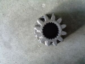 John Deere 955 4x4 Right Or Left Outer Axle Shaft Gear