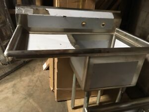 Advance Tabco One bay Sink W left Drainboard 18 X 18 X 12 Bay Never Used