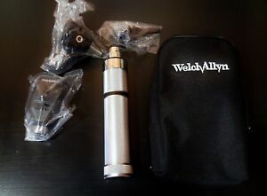 Welch Allyn Diagnostic Set Works On C batteries Opthalmoscope And Otoscope