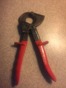 Klein Tools 63060 Ratcheting Cable Cutters Red Handles Germany Pre owned