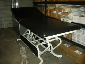 Midland Bariatric 2 Section Hi Lo Power Treatment Therapy Exam Table W Casters