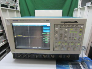 Tektronix_tds7104 Digital Phosphor Oscilloscope opt 2m J1 no Accessories