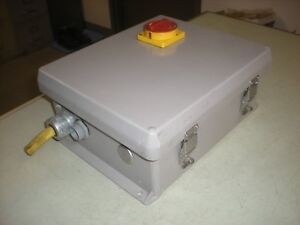Wiegmann Plastic Sealed Enclosure With Switch And Backplate 12 X 10 X 5