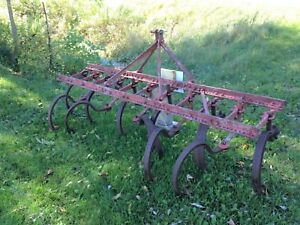 Used Ferguson Ford 2 Row 11 Shank Ripper Cultivator New Points Bolts