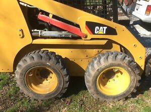 2010 Caterpiller 226b Skid Steer And 16 Dual Axle Trailer