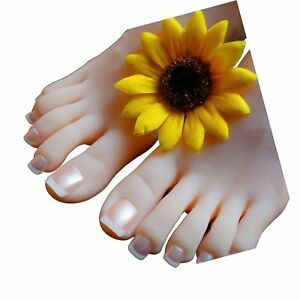 Sunny Rain 1 Pair Silicone Life Size Female Mannequin Foot Shoes Display Mode