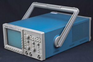 Tektronix Tds 340 Portable 2 ch 100mhz 500ms s Digital Real time Oscilloscope