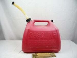 Vintage Gott Rubbermaid 5 Gallon Red Vented Plastic Gas Can Model 1151 1251