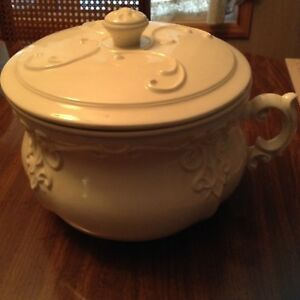 1976 Artist Signed Arners White Ironstone Chamber Pot With Insert Guc