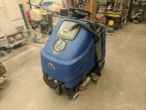 Windsor Chariot 24 Stand On Floor Scrubber