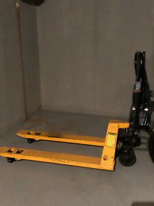 Pallet Jack Hand Pallet Truck 4400lbs 27x48 In Two Years Guarantee