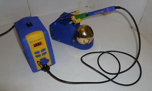 Hakko Solder Station Fx951 66 With Iron Fm 2027 And Stand Cleaner 599b Works